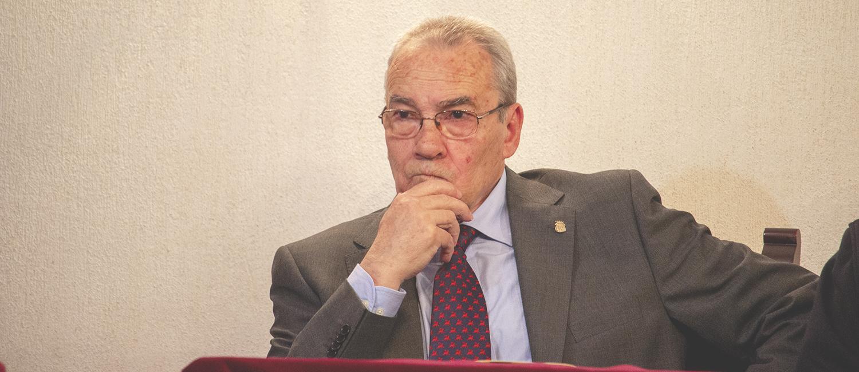 José León-Castro repasa la vida y obra del poeta Miguel Hernández