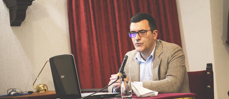 Miguel Ángel Borrego profundiza en la Asṭah andalusí