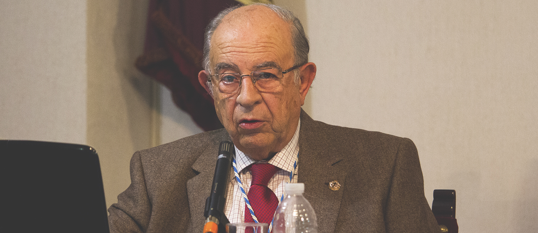 Antonio Mariscal repasa los últimos 200 años en busca de las fuentes culturales jerezanas