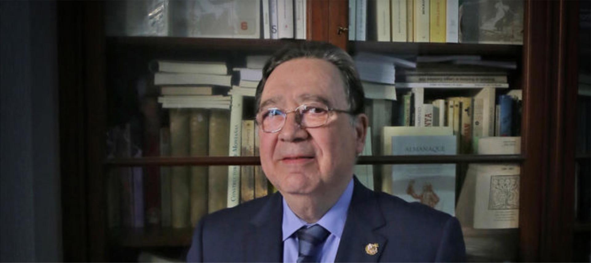 El Colegio de Médicos premia el trabajo del doctor Ortiz Tardío