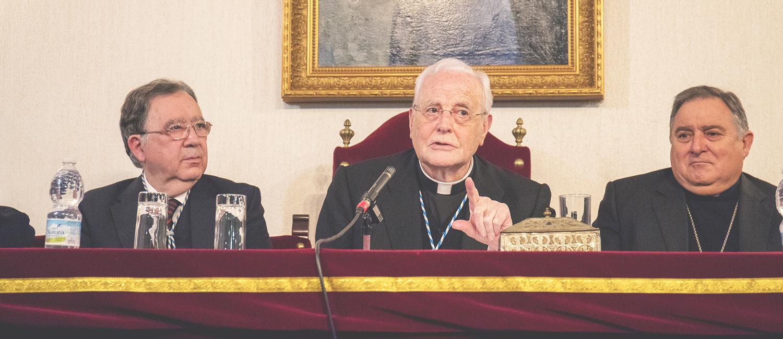 El cardenal Carlos Amigo Vallejo regala a la Academia su conferencia «Siglo XXI: actualidad y vigencia de la Iglesia»